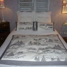 Edredon et ses 2 coussins assortis en coton blanc imprimés noirs paysage de montange en hiver