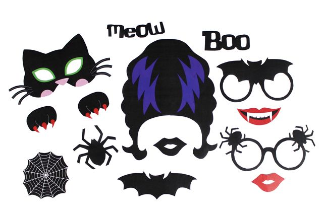 Download and print our free printable Halloween photo props for your very own Halloween photo booth. Perfect for Halloween parties.