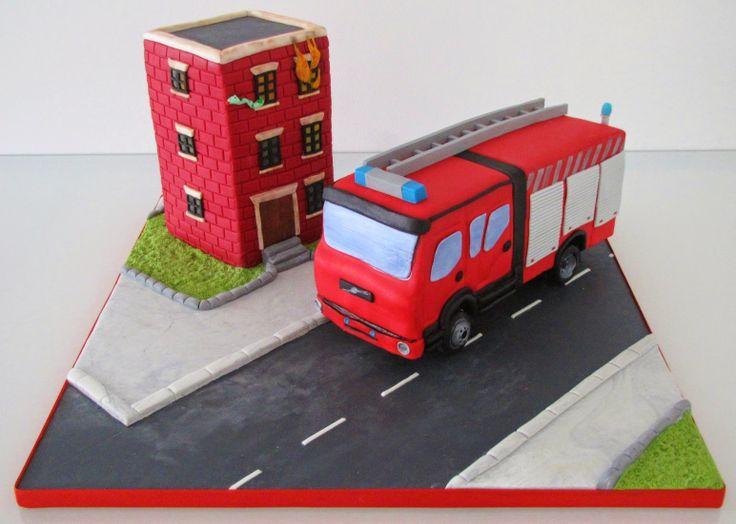 Mil Cores, Mil Sabores: Carro dos bombeiros e prédio a arder