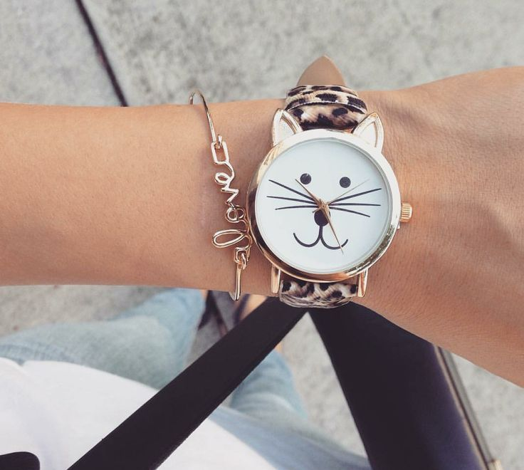 Les montres femme pas cher sont la tendance de la saison sont des  accessoires très à la mode cette saison, si vous voulez faire plaisir à une  femme ... ed74f51717a6