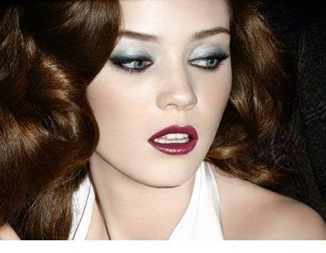 Maquillaje de noche para vestido blanco