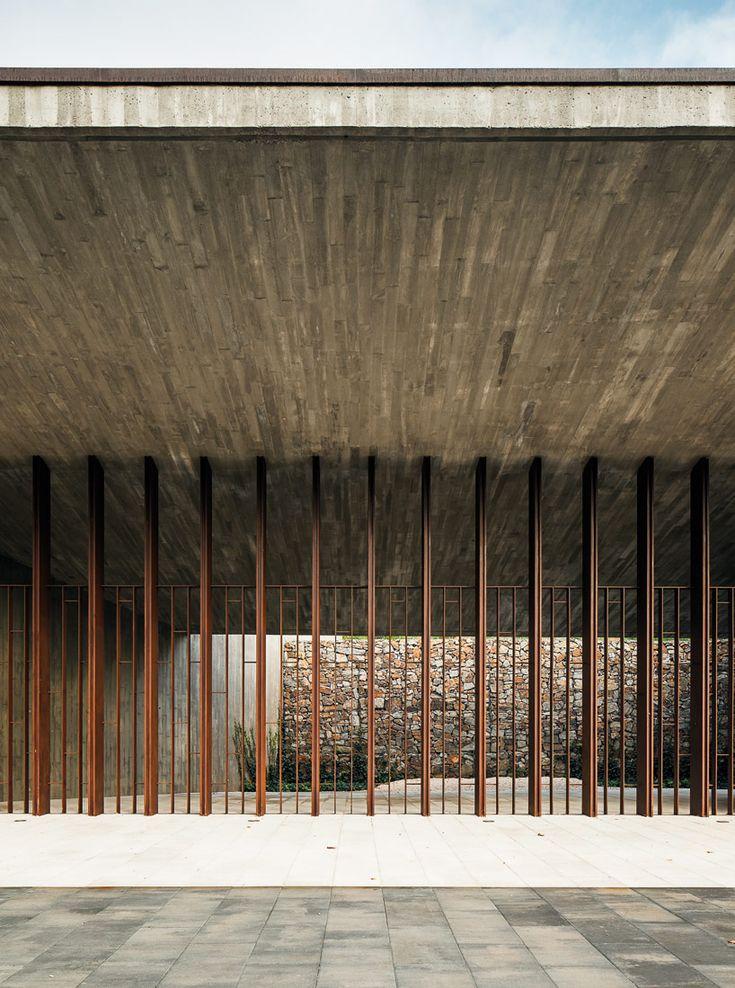 batlle i roig arquitectes: funeral home in sant joan despi
