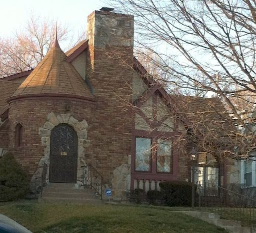 Victorian Carriage House: 59 Best BRICK TUDORS Images On Pinterest