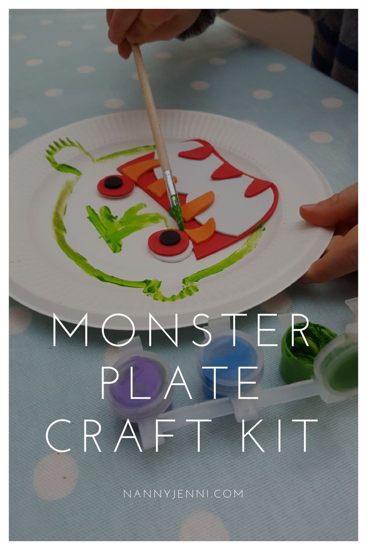 This monster plate craft kit was a hit with the toddler! A lovely children's activity for 3 to 5 years olds.