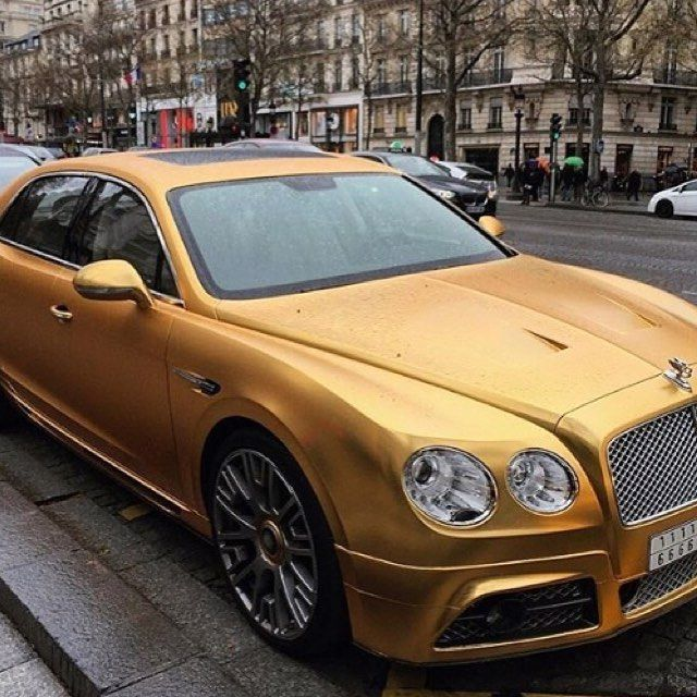 A Gold Bentley like a real Millionaire!! #gold #oro #money #free #freedom #speedagents