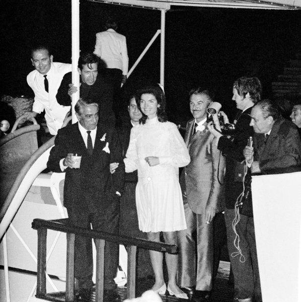 >Im Oktober 1968 fand an Bord der Superjacht der Hochzeitsempfang für...