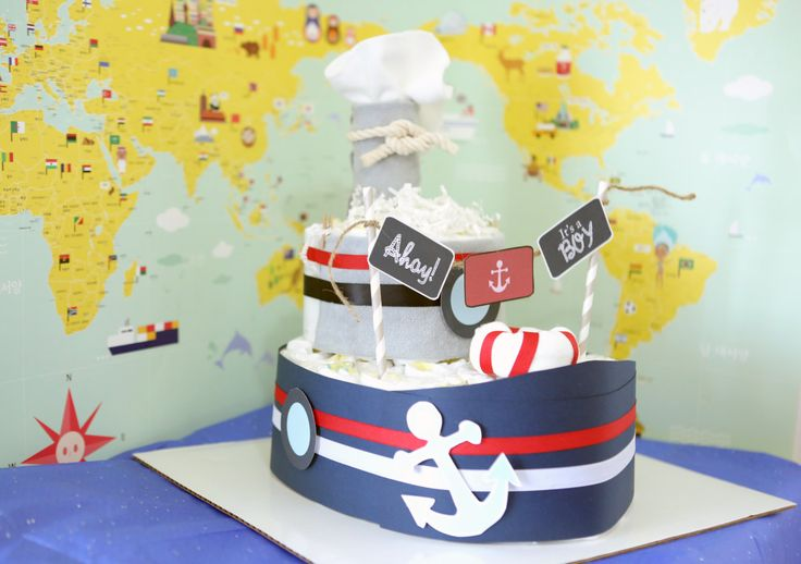 Etsy のBaby Boy Nautical Diaper Boat Cake / Baby Shower Centerpiece / Ahoy / for…