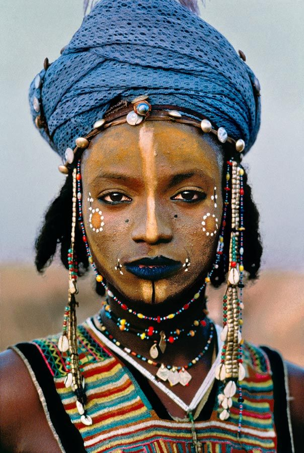 Um concurso de beleza masculina no deserto do Sahara   IdeaFixa
