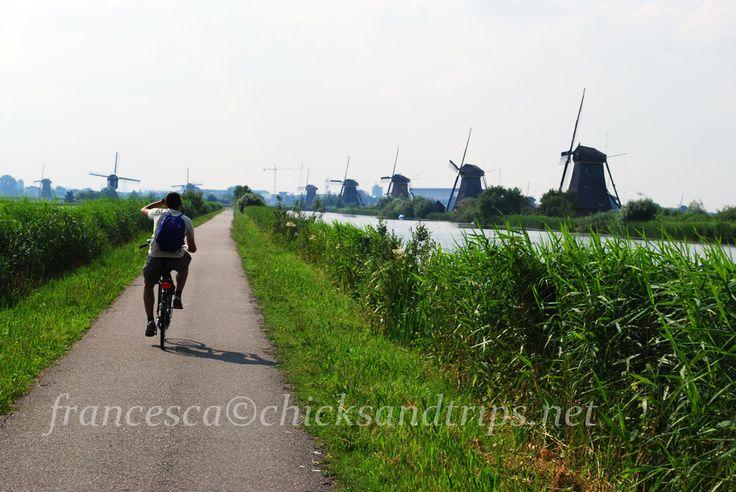 In bicicletta tra i mulini di Kinderdijk - Olanda