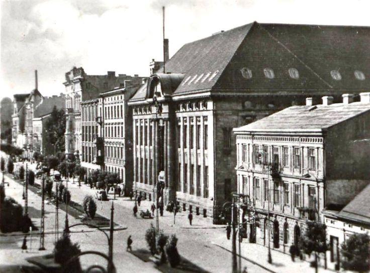 Spacerowa Street (in the past promenade), today Kosciuszko Street, Lodz, Poland
