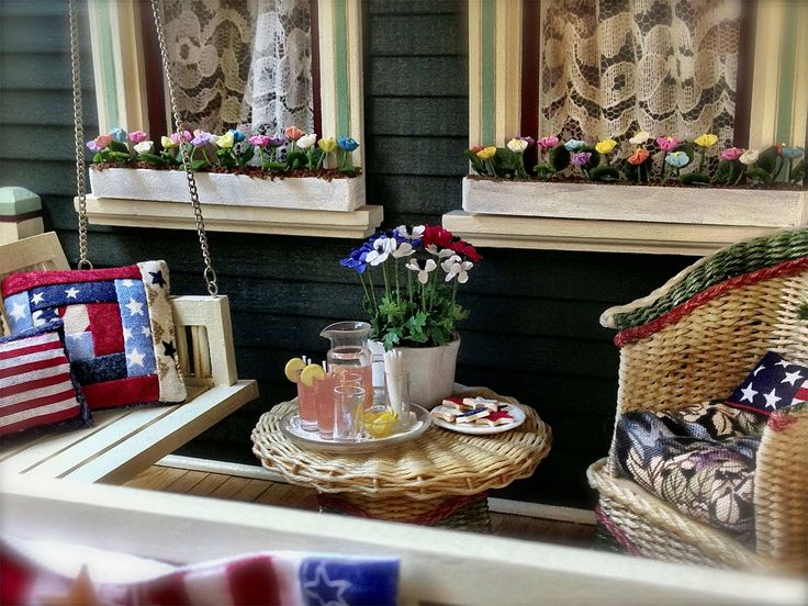 Kathleen Holmes  Memorial Day Front Porch