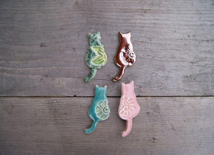 Cute cat brooch, cat pin, ceramic brooch, ceramic pin, cat gift, pink cat, gold cat, Turquoise cat, ceramic cat brooch, Feline brooch cat lover cat gift