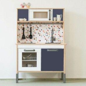 Cute Ab sofort kannst du deine IKEA DUKTIG Kinderk che kinderleicht mit Dekorationsfolien von Limmaland pimpen Suche dir jetzt deine passende Folie hier aus