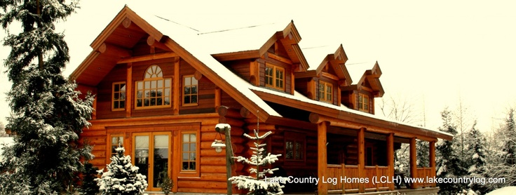 www.lakecountrylog.com Western Red Cedar Handcrafted Scribe Fit Stacked Log Home