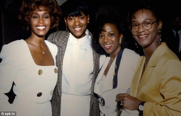 Whitney Houston Ruthlessly Shades Paula Abdul In Documentary Trailer Whitney Houston Paula Abdul Whitney