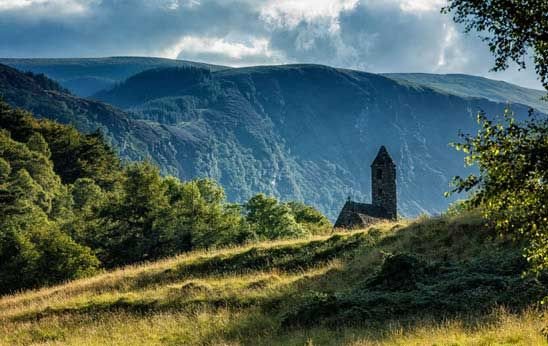 Combine nature and adventure as you discover the most beautiful places in Ireland, from Killarney National Park to Gougane Barra and Belfast Botanical Gardens.