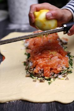 Kulebyaka ou Coulibiac de saumon | On Dine chez Nanou