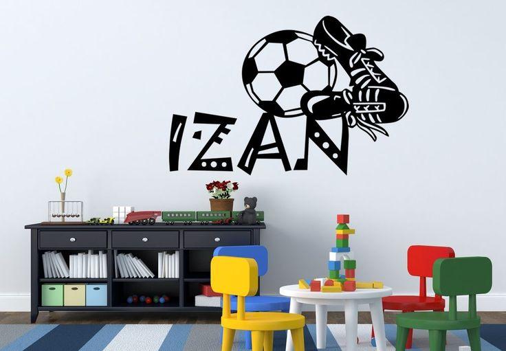 Buenos días amigos. Hoy os mostraremos algunos vinilos infantiles para chicos. Encontrareis diseños que podréis personalizar con el nombre de vuestros hijos. Os mostramos algunos ejemplos, para los aficionados del fútbol.  ¡Esperamos os gusten! http://www.vinilosinfantiles.com/vinilos-nombres/vinilo-infantil-nombres-botas-de-futbol-y-balon-v1544.html