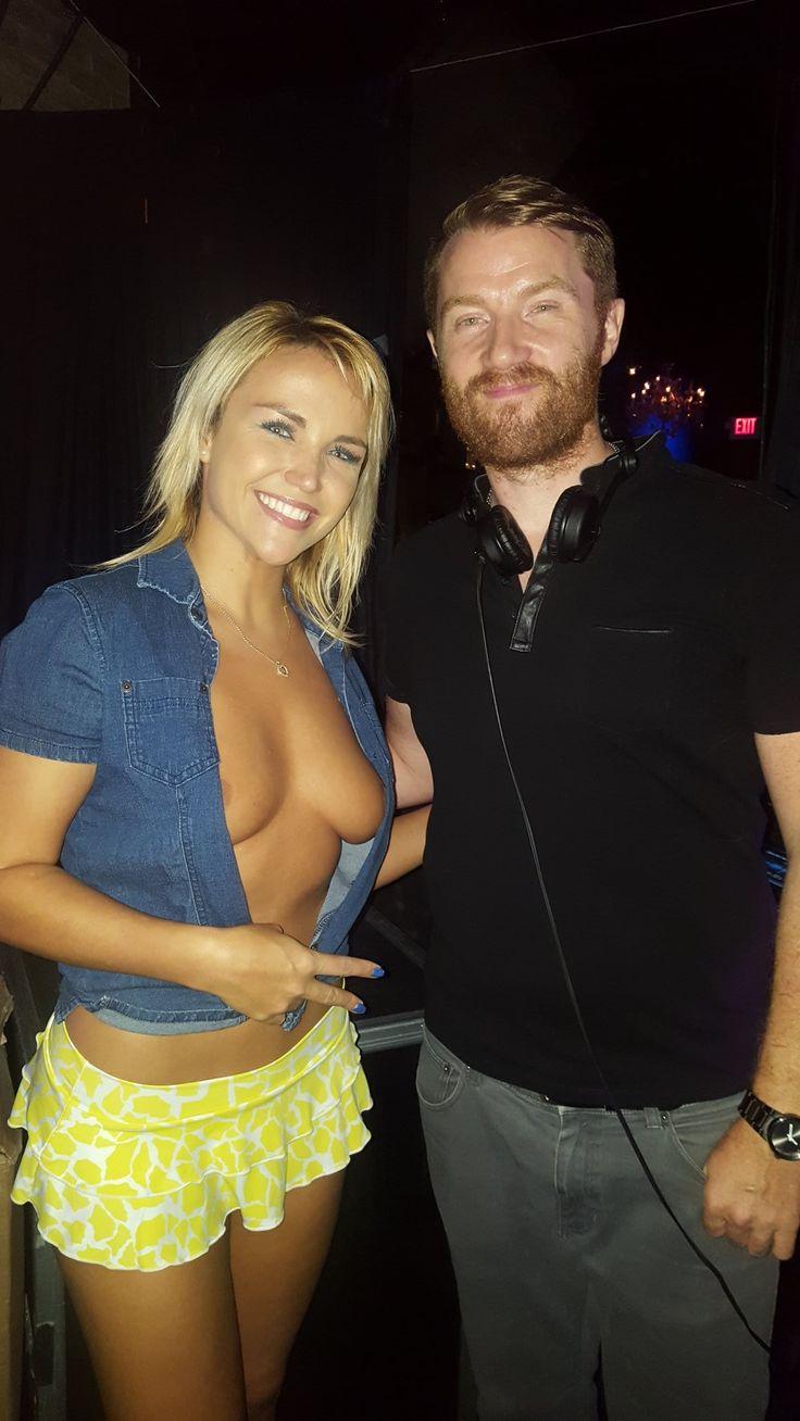 Viser pornobilleder til Jenny Scordamaglia Naked Party-4365