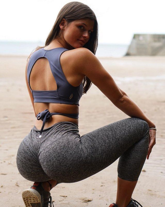 Edwards  nackt Elle Fitness model