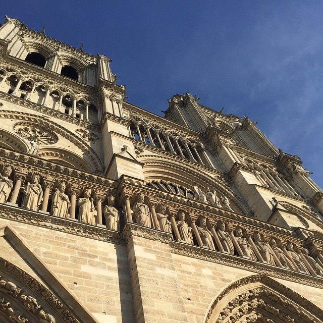 Cathédrale Notre-Dame de Paris ☀️ #cathedral #notredame #ourladyofparis #church #beautiful #building #paris #france #travel #nofilter