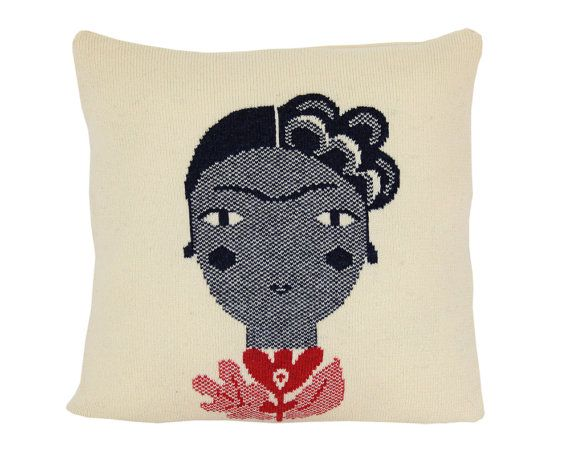 Frida - soft knitted pillow - 16x16, includes insert