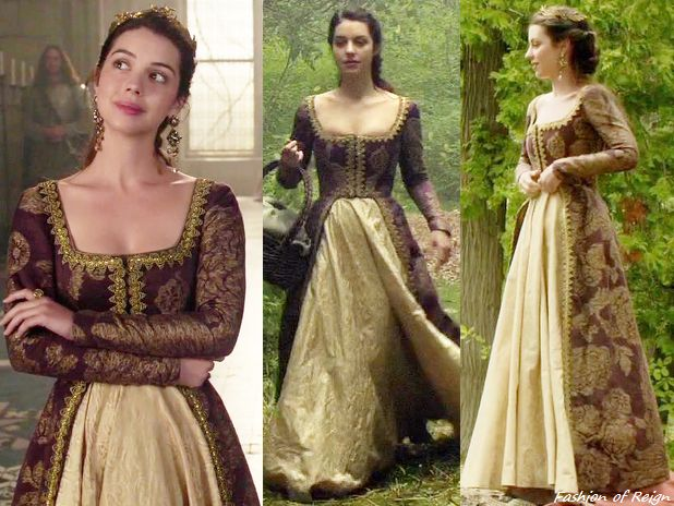 "In the episode 3x05 (""In a Clearing"") Queen Mary wears this Reign Costumes custom printed brocade two-piece dress. The skirt was made of a brocade fabric from Fabriluxe and embellished with the trim from M&J Trimming.Her look was completed with the Jennifer Behr headband, Erickson Beamon earrings, Gillian Steinhardt labyrinth and signet rings and Seychelles Shoes mules."