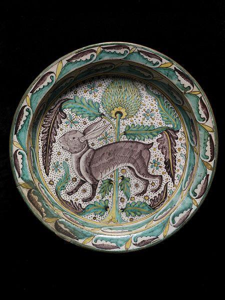 'Dish' (large washing basin), Tin-glazed earthenware, Florence, Italy, c. 1450. V & A Collection.