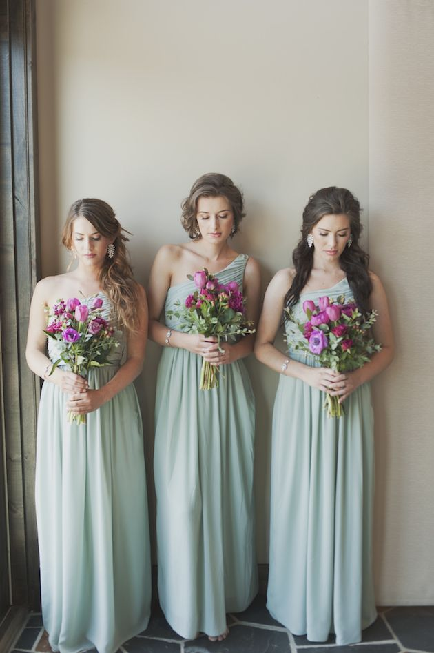 gorgeous wedding colour combination - mint green and radiant orchid. Love those elegant bridesmaids dresses too!