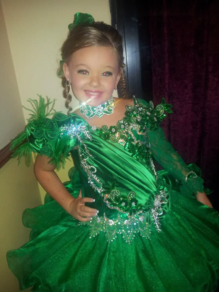 Miss Aisling Ultimate Grand Supreme at Universal Royalty Pageants in Australia