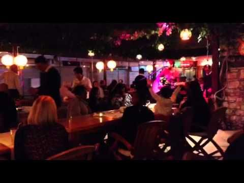#livemusic  #planetyucca  #kusadasi  #holiday Musician,Sercan at Planet Yucca, with cover of '3 Little Birds' + 'I'm Yours'