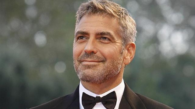 мне дала моя тётка – великая певица Розмари Клуни: бойся проснуться в семьдесят лет в страхе от того, что ты не сделал ничего, что так хотел в двадцать. Просто делай это, не боясь потерпеть неудачу — по крайней мере, ты сделал попытку. Эти слова эхом доносятся до меня на протяжении последних лет,» — Джордж Клуни, актёр, режиссёр, продюсер, сценарист