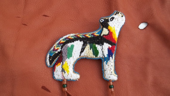 Beaded Wolf Amulet Native American Made by NativDesigns: