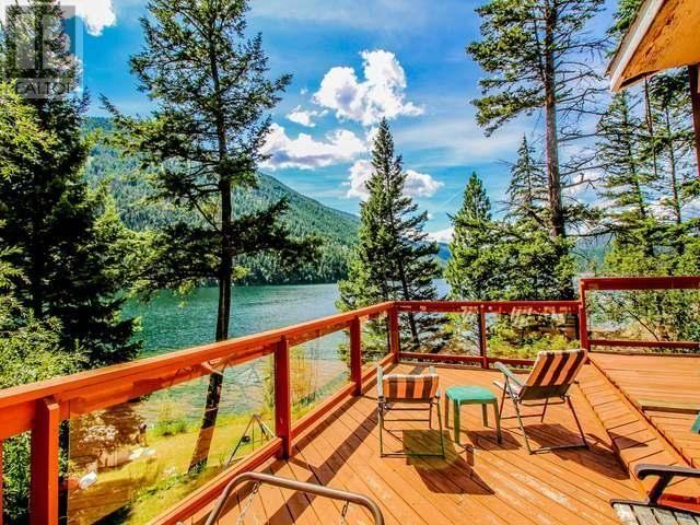 Lake Front Home in #Kamloops http://www.snapuprealestate.ca/listing/Kamloops-BC/house-for-sale-2528-Stoney-Dr%2C-Kamloops%2C-BC-V2H-1P3-5509377331?utm_expid=87617851-1.FAhb3L1vSMuuMvgV7wL8tw.0&utm_referrer=http%3A%2F%2Fwww.snapuprealestate.ca%2FmanageListing