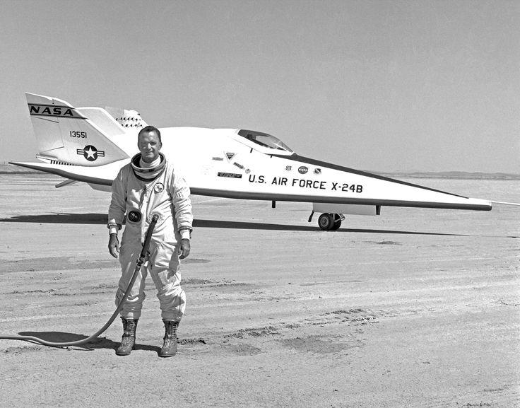 NASA research pilot John Manke with the Martin Marietta Lifting Body 1975. [5100x4000]