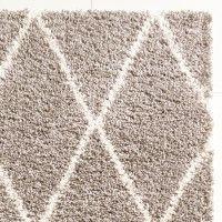 Flauschiger Teppich Taupe und Weiß mit Rautenmuster in Beni Ourain Optik. Größe 120x170 cm. Jetzt günstig shoppen auf www.klick-vinyl-boden.de