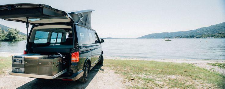 calibox am laggo maggiore mit dem VW T5 California Beach