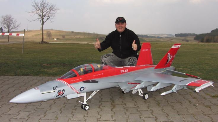 I'm reasonably sure this R/C F-18F can kick your R/C airplane's butt. #avgeeks