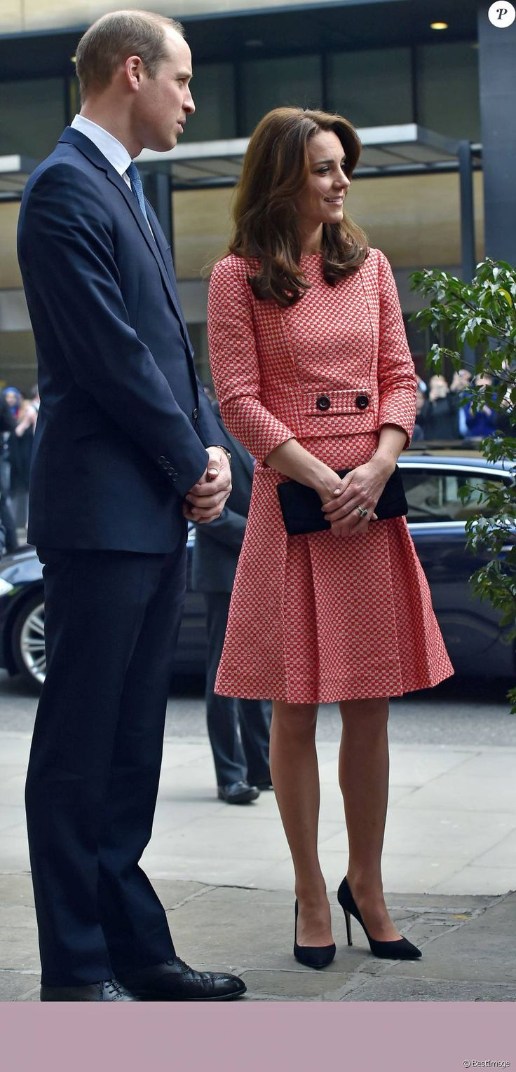 Le prince William, duc de Cambridge, et Kate Middleton, duchesse de Cambridge, rencontraient des membres de l'association XLP à Londres le 11 mars 2016.