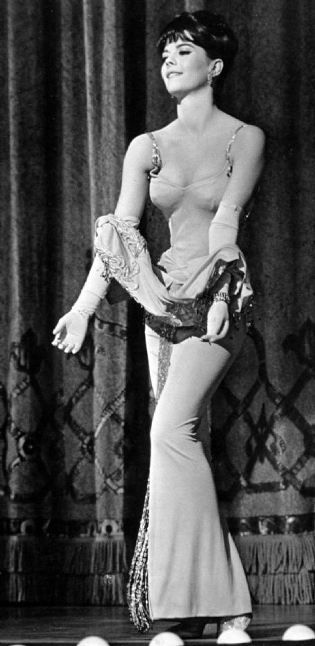 Natalie Wood in Gypsy (1962). One of my all time FAVE movies!