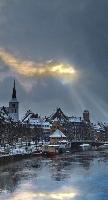 Krutenau, Strasbourg, Alsace ( by xsalto on Flickr)