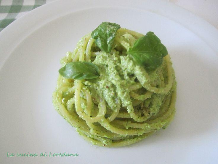 Spaghetti con pesto di zucchine - Ricetta semplice | La cucina di Loredana