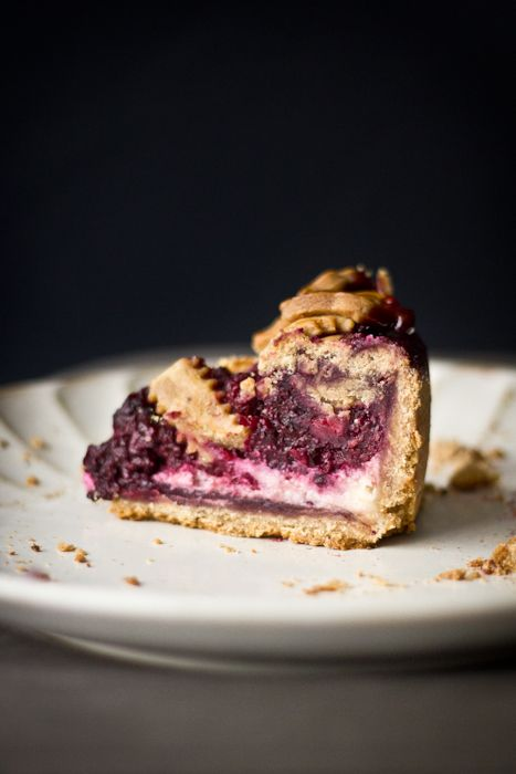 blackberry cream cheese pie: combining the best things in life, cheesecake and blackberries.