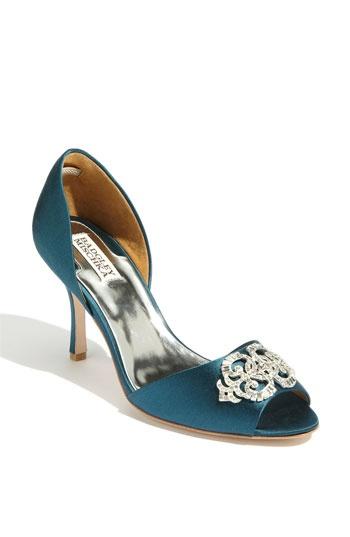 Wedding shoes..: Peep Toe Pumps, Pretty Shoes, Mischka Salsa, Wedding Shoes, Salsa Blue, Wedding Ideas, Blue Shoes, Something Blue, Badgley Mischka