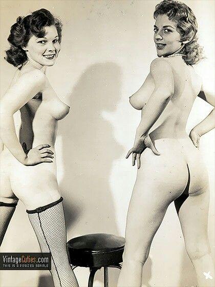 Vintage 1940 Nude Girls
