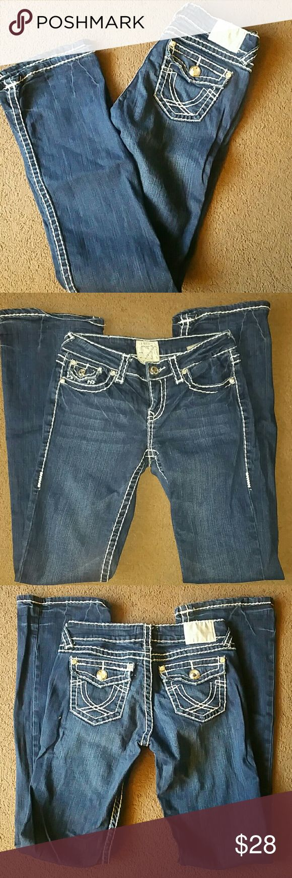 LA Idol USA size 3 (28/34) boot cut bling jeans LA Idol USA women's size 28, inseam 34. Medium wash blue denim. Boot cut jeans. Bling back button flap pockets. Stretchy material, 97% cotton and 3% elastane. Great used condition. 33 inch inseam LA Idol Jeans Boot Cut