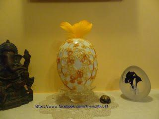 Czółenko i nitka: Zrobiłam pisankę ciut większą niż zwykłe jajko.Dod...