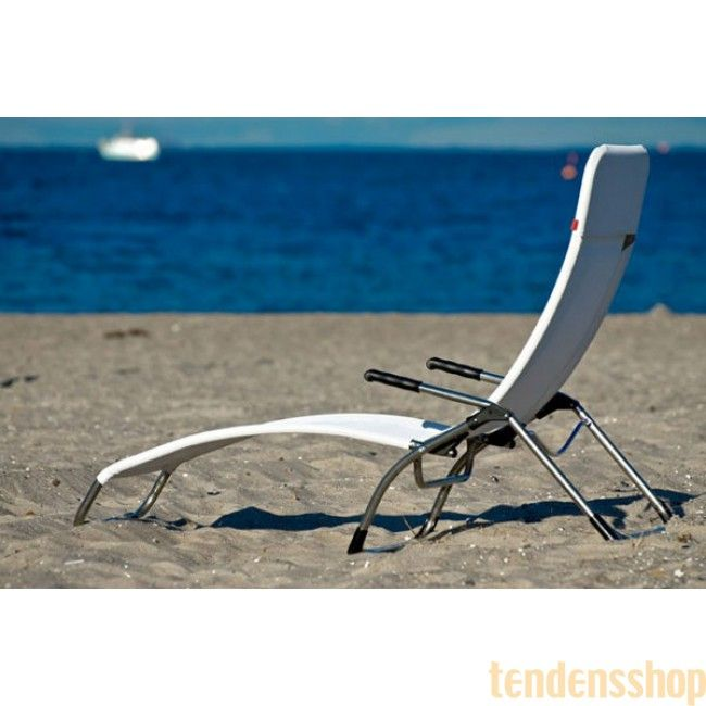 Klassisk hvilestol fra Fiam. Samba 045tx er med de flotte linjer og den indbygget vippefunktion en klassisk hvilestol som man kan bruges alle steder. #fiam #hvilestol #havestole