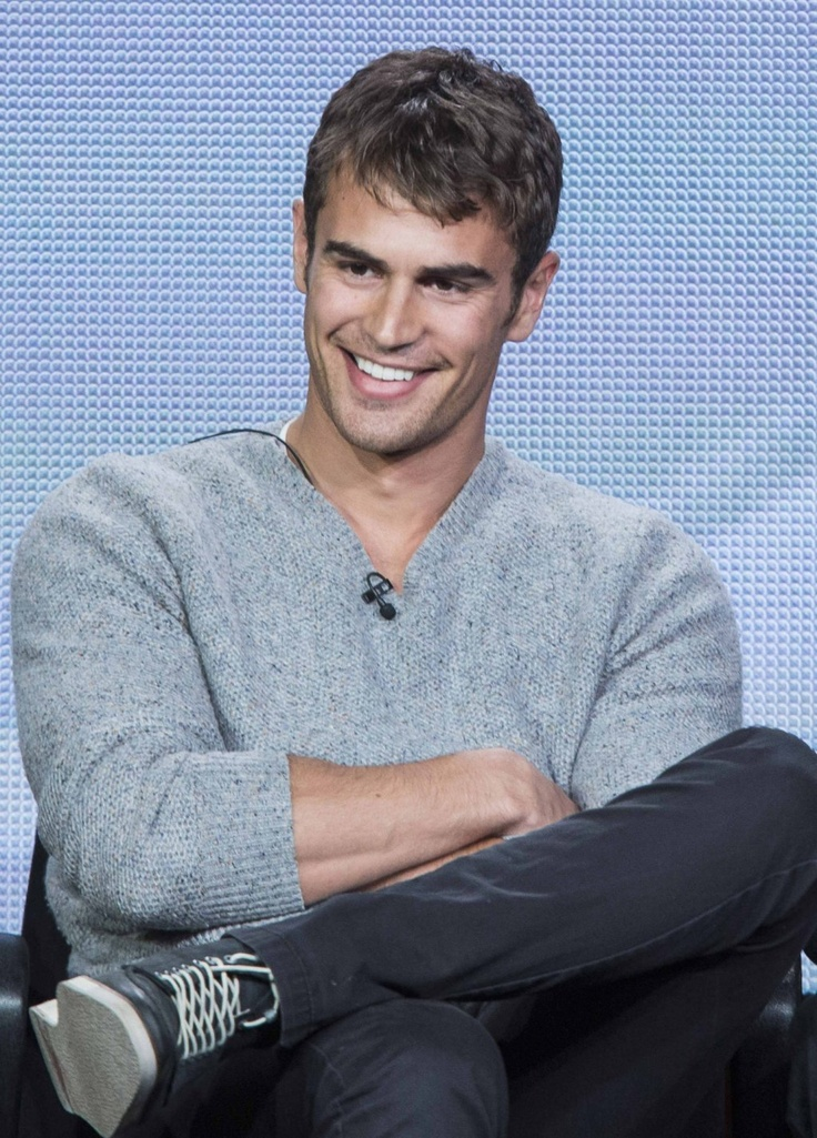 Theo James ~ Walter William Clark, Jr. now lead detective, but future NYC Police Commissioner ~ GOLDEN BOY ~ Tuesday - CBS - 10pm