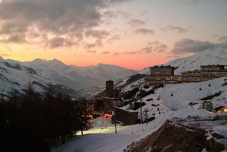 Find the Best Resort without Having to Try Them All: Alps' 2 Kinds - See more at: http://holidaybays.com/find-the-best-resort-without-having-to-try-them-all-alps-2-kinds/#sthash.GIHjZbPL.dpuf